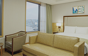 suite room harbor